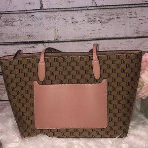 London Fog Tote 👜 NWT pale pink accents